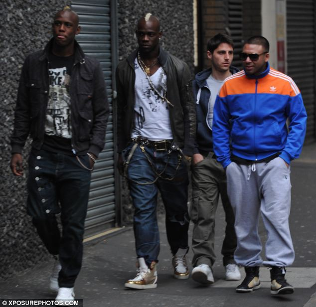 YENİ MODA BALOTELLI | Breaking soccer celebrity news...